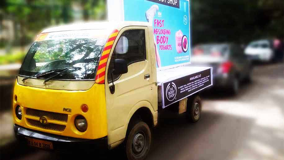 Mobile-Brand with Mobile-Van